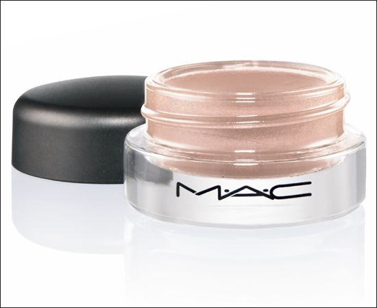 Кремовые тени MAC Paint Pot. Bare Study. Soft beige wth gold pearl (Frost): http://forumtlc.ru/viewtopic.php?t=479&p=373276#p373276