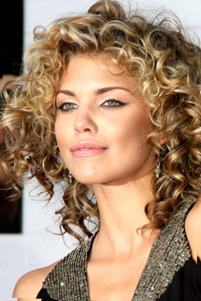 Best Hairstyles For Curly Hair And Round Faces Hairstyle