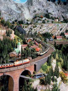 Miniatur wunderland--Valley - model building - model railway Hamburg