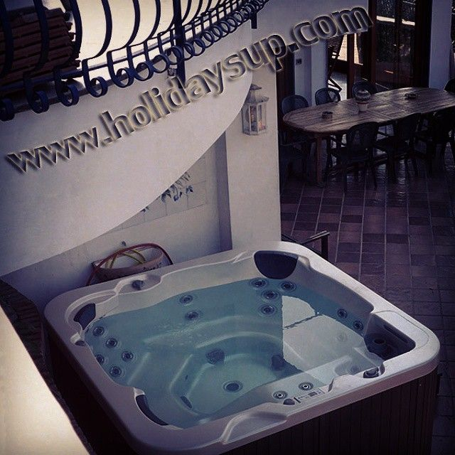 Villa Dav amazing ocean view with private pool beautiful villa fully equipped holiday booking rentals villas in Sorrento Coast with hydromassage Jacuzzi hot tub More details on www.holidaysup.com...