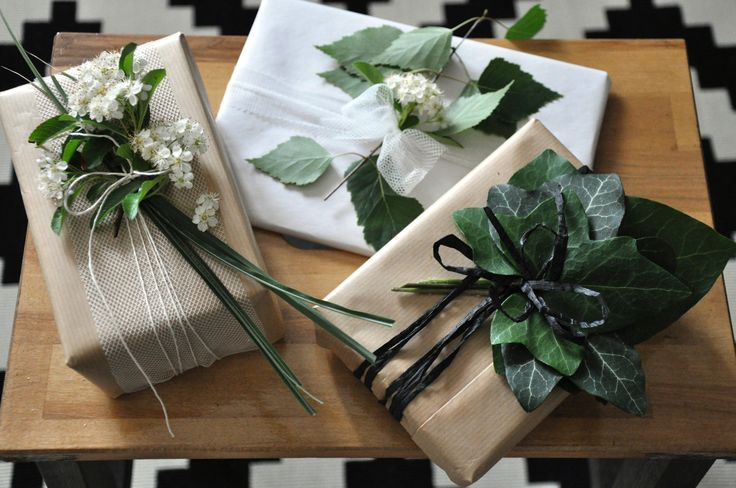 Natural gift wrapping ideas from the spring garden.