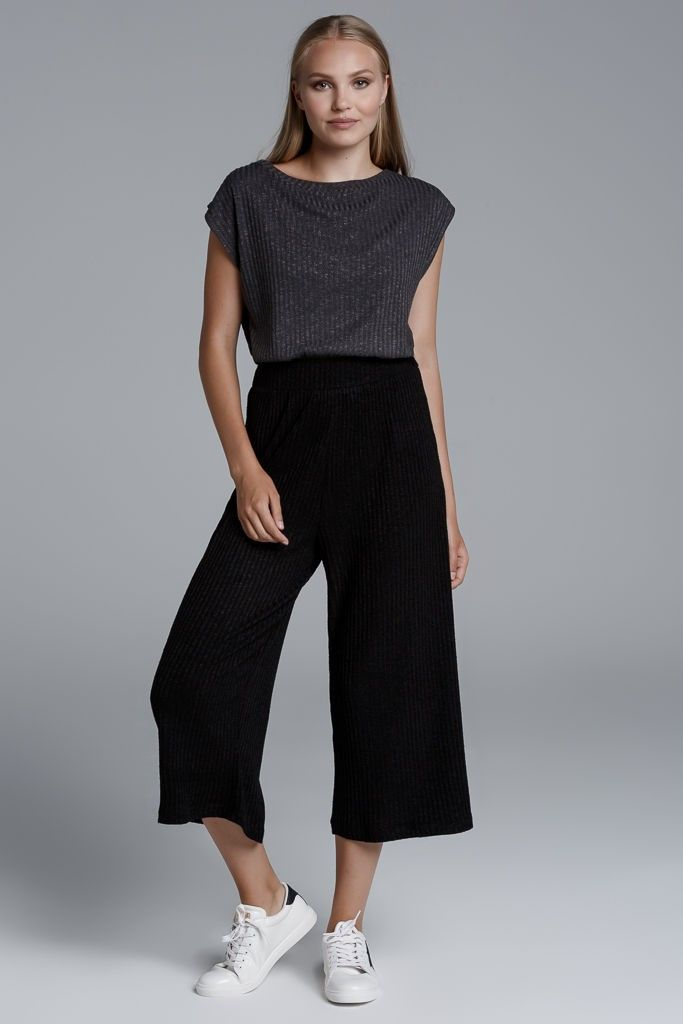CKONTOVA ribbed culottes for Ultimate Urban Walks... Black