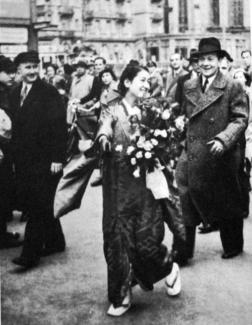 """In 1937, Japanese actress Setsuko Hara visited Germany for the promotion of the film """"Samurai's Daughter (新しき土, 1937)"""" by Arnold Fanck"""