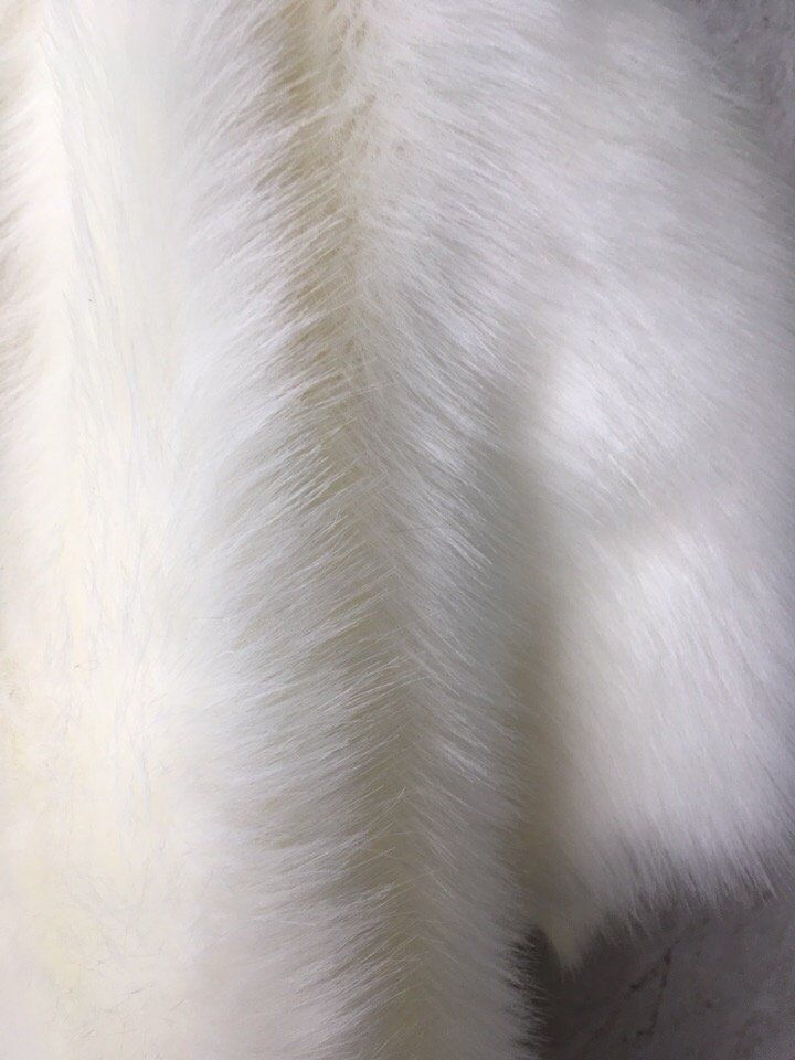 1m White Faux Long Pile Fur Fabric Toys Costumes Width 59 150 Cm By Belfa On Etsy Fabric Toys Fur Fabrics Faux Fur Fabric