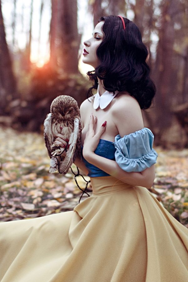 Snow White Cosplay (I just love that she is holding an owl! Squee!~)