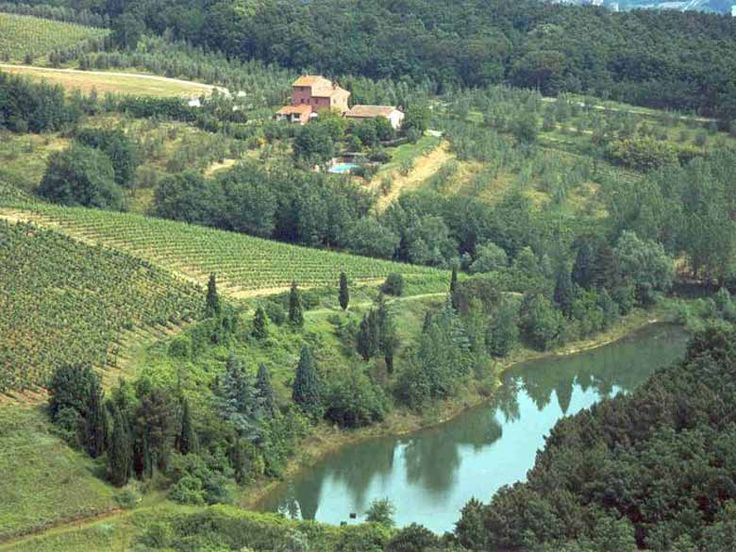 Villa rental Chianti, Tuscany near Montelupo with swimming pool. Casa Cavalli is located in the Chianti hills of Tuscany. http://www.ciaoitalyvillas.com/