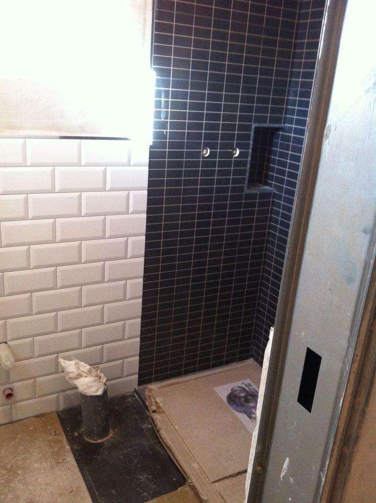 Interior, baño.