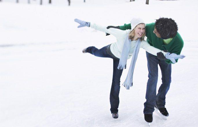 Otro fantástico deporte de invierno, el patinaje sobre hielo!  Disfrutar patinando, a la vez que haces deporte con el patinaje sobre hielo es muy sencillo, nos encanta! https://www.qualimail.es/familia/Fitness?utm_source=pinterest&utm_medium=pinterest&utm_campaign=patinar%20pinterest