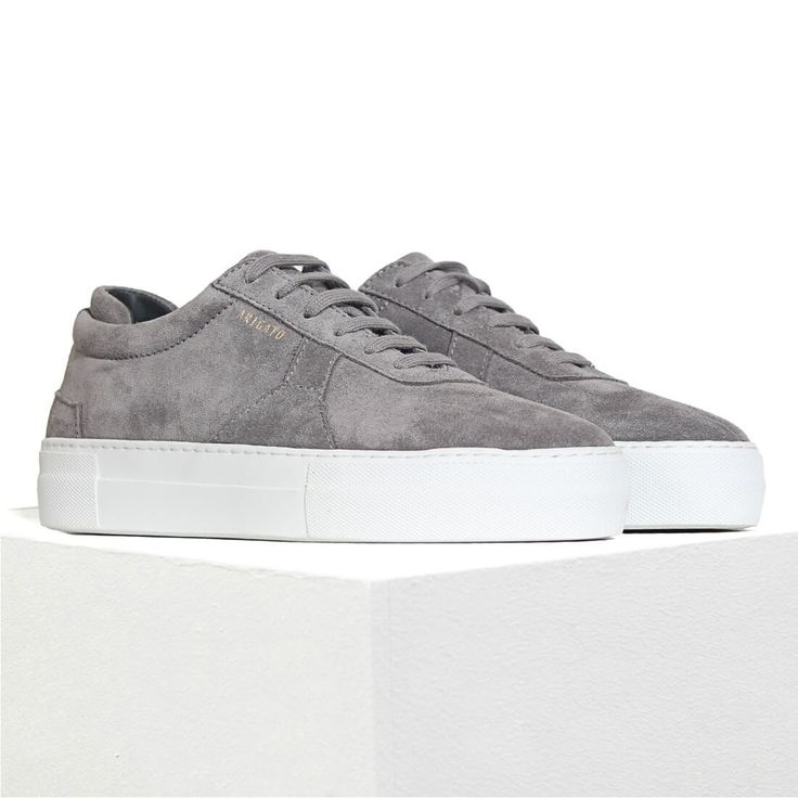 Platform Sneaker in Grey suede