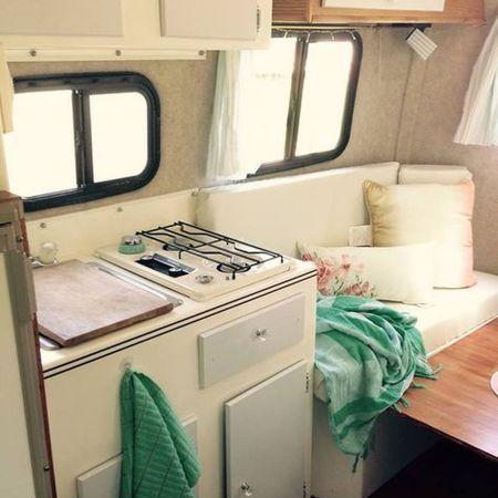 die besten 25 wohnmobil renovierung ideen auf pinterest wohnwagenrenovierung reiseanh nger. Black Bedroom Furniture Sets. Home Design Ideas