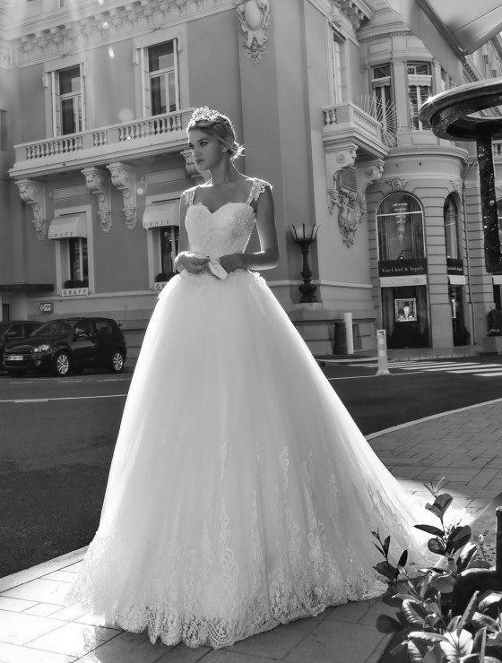 Orazio Atelier ALESSANDRA RINAUDO - Bridal Couture. #wedding #weddingdress #fashion #bride #bridal #orazioatelier #reggiocalabria #abitidasposa #love #dream #atelier #sposa #matrimonio #sposo #sposi #nozze #abiticerimonia #cerimonia #weddingstyle #SalineIoniche