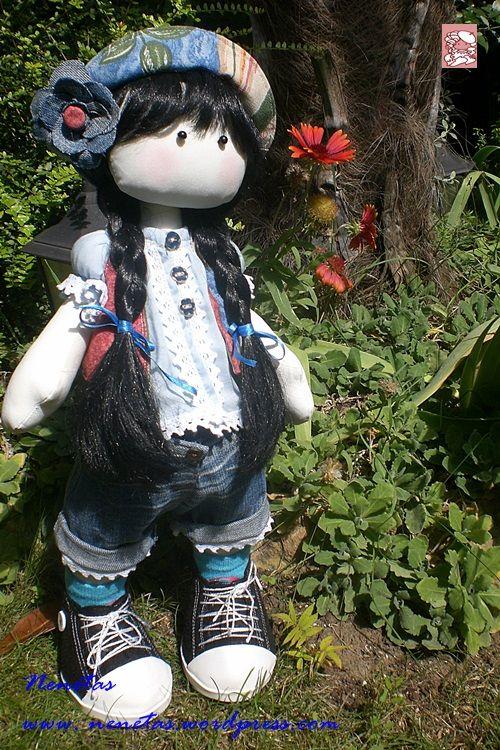 Hola soy Yolanda , ¿quieres conocerme?   Soy traviesa y juguetona Me gusta vestir informal. LLevo unos pantalones vaqueros cortos adornados en los bajos con puntillas , camisa de batist...