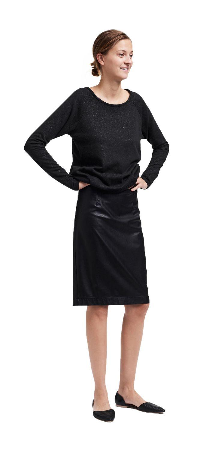Damen Outfit Monochrome Oberflächen von OPUS Fashion: schwarzes Sweatshirt, schwarzer Rock