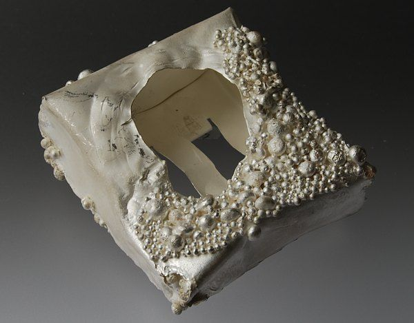 Gillian Deery, Granulated silver brooch