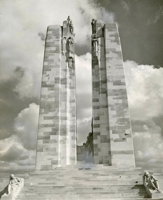 The City of Toronto will honour the 100th anniversary of the Battle of Vimy Ridge this Saturday and Sunday, April 8 and 9 at the Fort York National Historic Site. A commemorative service will begin at 2PM on Sunday, and will be attended by Mayor John Tory and Lieutenant Governor of Ontario, the Honourable Elizabeth Dowdeswell. Photo courtesy of Toronto Star Archives.