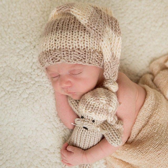 Filho de Patricia Abravanel, de dois meses, aparece em foto com look 'surfista'
