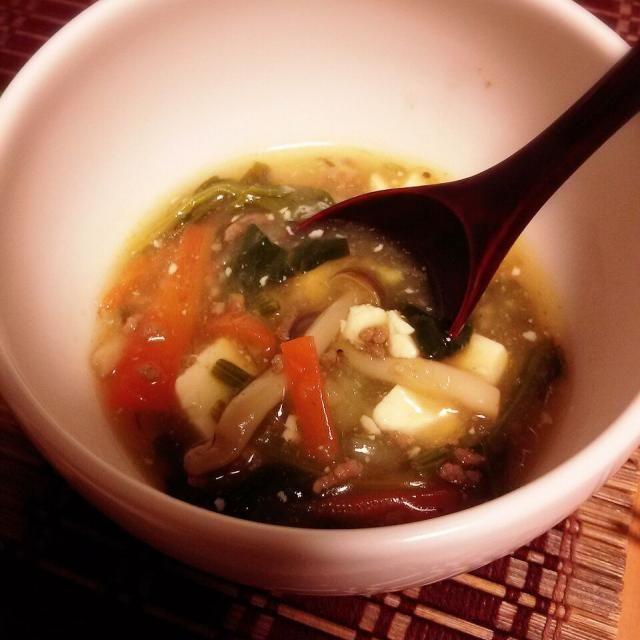 優しいお味のトロリスープ♪  豚挽き肉 生姜 めんつゆ ほうれん草 お豆腐で作ったスープにジャガイモをすりおろしてトロミ付け(*^^ ) 食欲ないときも食べやすい味*^-^*) - 61件のもぐもぐ - ジャガイモすりおろしでトロリスープ ♪ by 0614yu