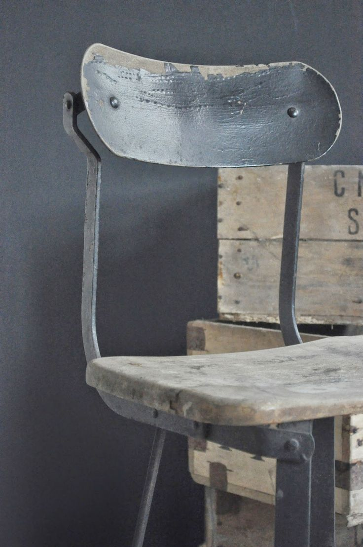 17 best ideas about industrial chair on pinterest modern - Vide grenier d une parisienne ...