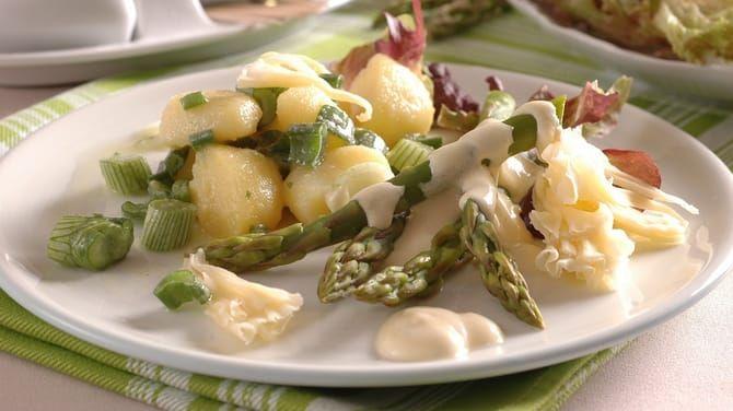 Nielen takúto klasiku si môžete pripraviť z chutnej zelenej špargle.