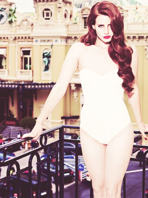 Obsessed with Lana Del Rey's hair