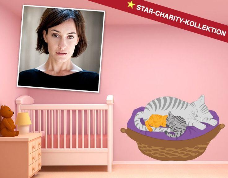 """Maike von Bremen entschied sich für das Motiv """"Schlafende Katzen"""" und wirkt somit bei der Star-Charity-Kollektion mit."""