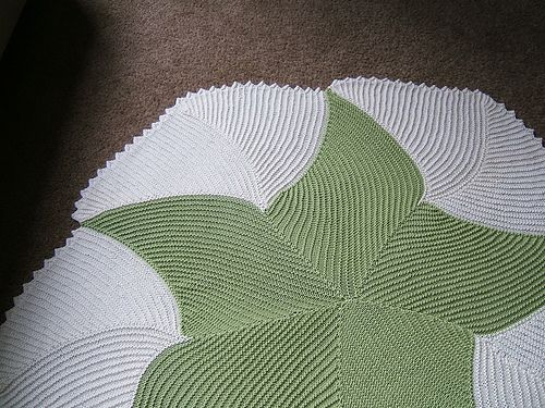 Ravelry: Project Gallery for Curlicue Coverlet pattern by Annie Dempsey