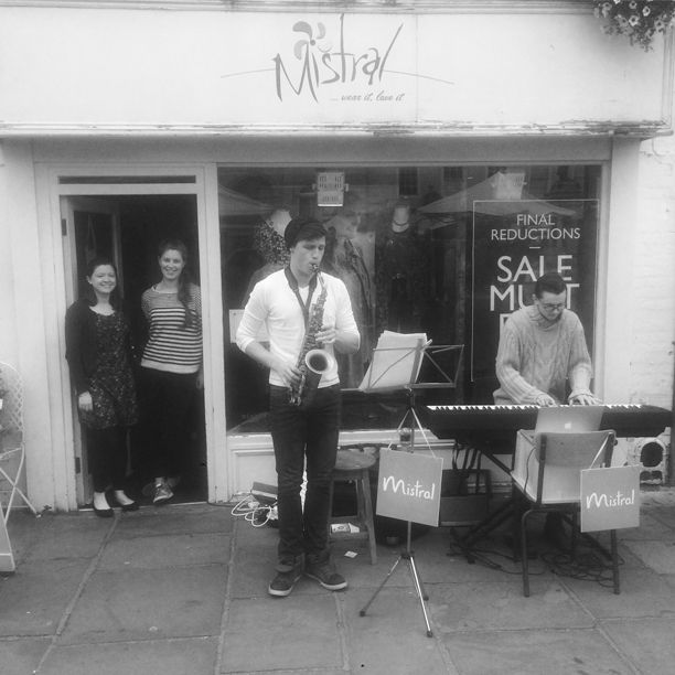 We hope you had a wonderful weekend. You might have even been lucky enough to catch the Bunkfest celebrations outside Mistral Wallingford on Saturday, if not here's a snap of one of the bands playing outside the store with our very own store assistant Katie joining in for a song or two!
