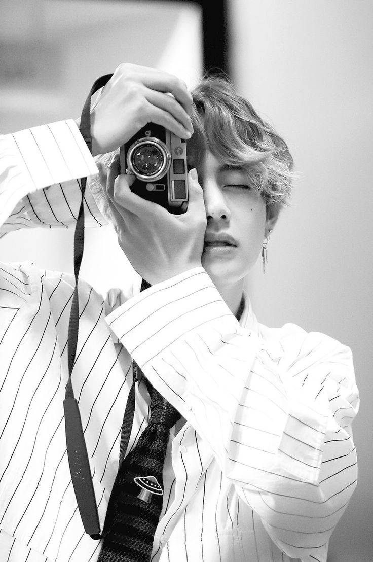 Kim Tae mas perfecto no puede ser...................pr eso gano al hombre (rostro) mas bello del mundo <3