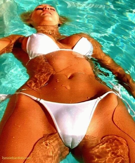 wet bikini camel toe