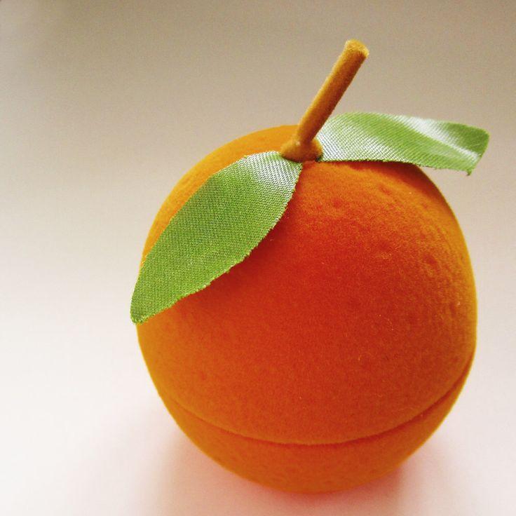Scatola dell'anello arancio frutto di sudlow su Etsy https://www.etsy.com/it/listing/217680766/scatola-dellanello-arancio-frutto