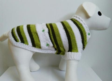 Ručne pletený sveter pruhovaný s korálkami