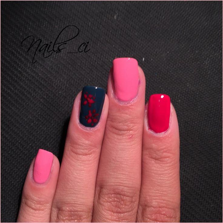 - Unghie Rosa, Rosso, Blu e decorazione -