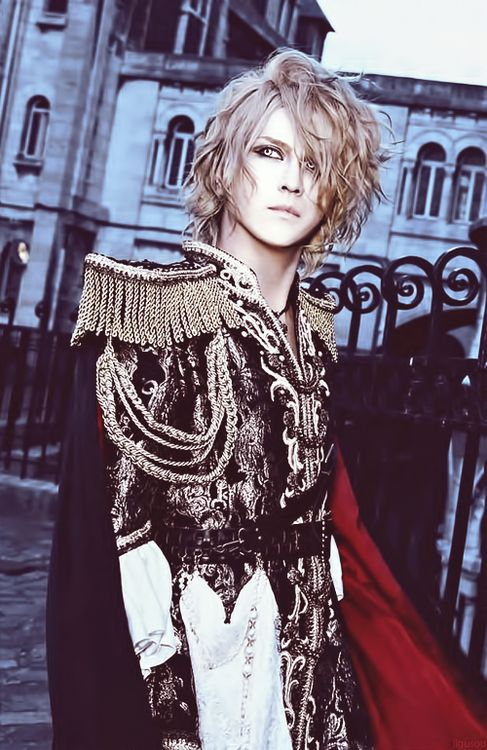 KAMIJO ((lol this human is in a band but he looks like a fairy prince so there's that))