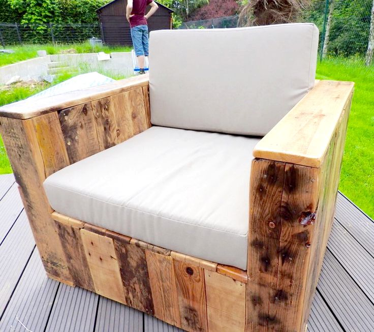 Chair Pallet Furniture Build A Patio With Pallets