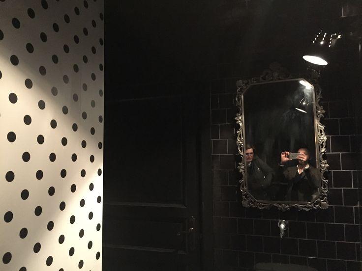 Bagno a pois | MAVI | Lungotevere di Pietrapapa 201 | Roma | Progettazione locali pubblici | design by Studio GAD | www.studiogad.it |  #arredamento #ristrutturazione #ristoranti #locali #pubblici #Roma #studiogad #localiroma #localipubblici #mavi #osteriamavi