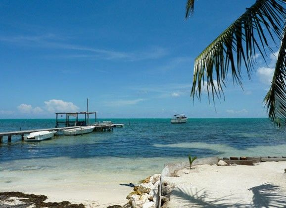 5 places to live in Belize, 2 to avoid.  Another article to consider http://www.belizefirst.com/where.html