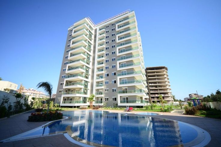 Complex is located in Mahmutlar close to centrum, 600 meters to beach and walking distance to shoping posibilities. 3+1 apartment is 170 m2 with open plan kitchen, living room, 2 bathrooms and 2 balconies and it is 12 storeys building.