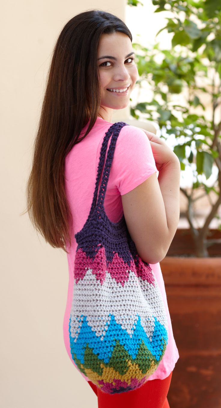 It's Earth Hour! Do your part for the planet by ditching plastic bags for beautiful handmade reusable ones! Get the free crochet pattern and make this one with Vanna's Choice!