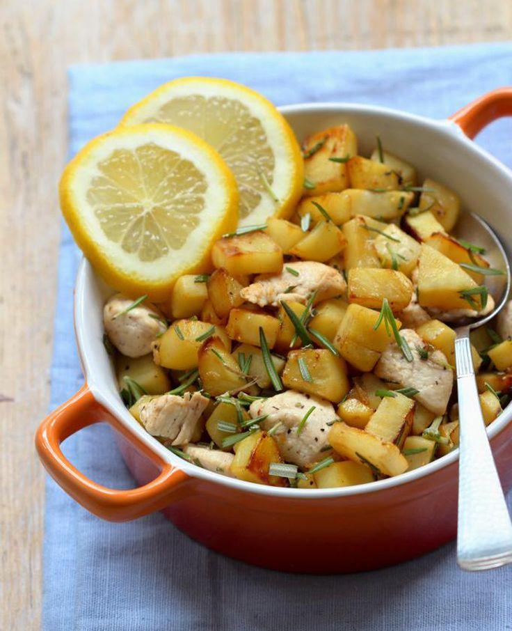 Dit gerecht met honingkip en zoete aardappel is te bereiden in één pan! Een heerlijk recept én lekker weinig afwas.