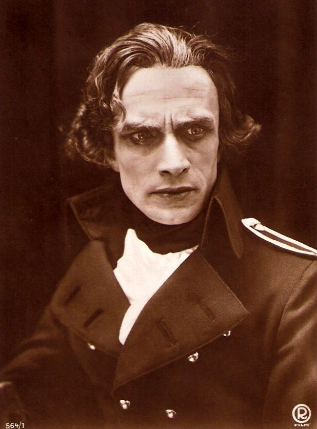 Conrad Veidt as Lord Nelson