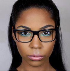 Makeup tips for girls who wear glasses - GraziaSA