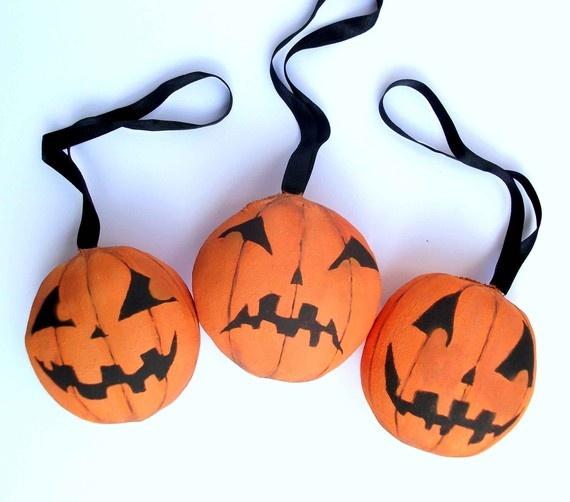 Pumpkin Halloween ornament set by MademoiselleG on Etsy