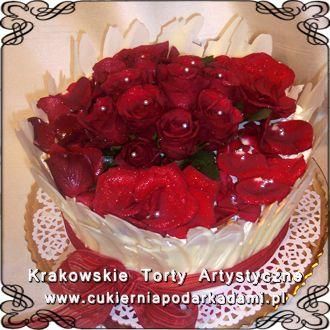 065. Tort z żywymi czerwonymi różami. Cake with real roses.