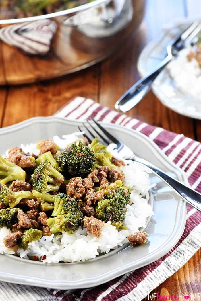 Healthy Ground Beef And Broccoli A Quick And Easy Skillet Recipe That Comes Together In 15 Mi Ground Beef And Broccoli Broccoli Beef Ground Beef Recipes Easy