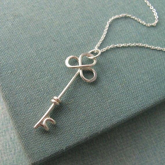 Trefolis Key Necklace id like to try making...