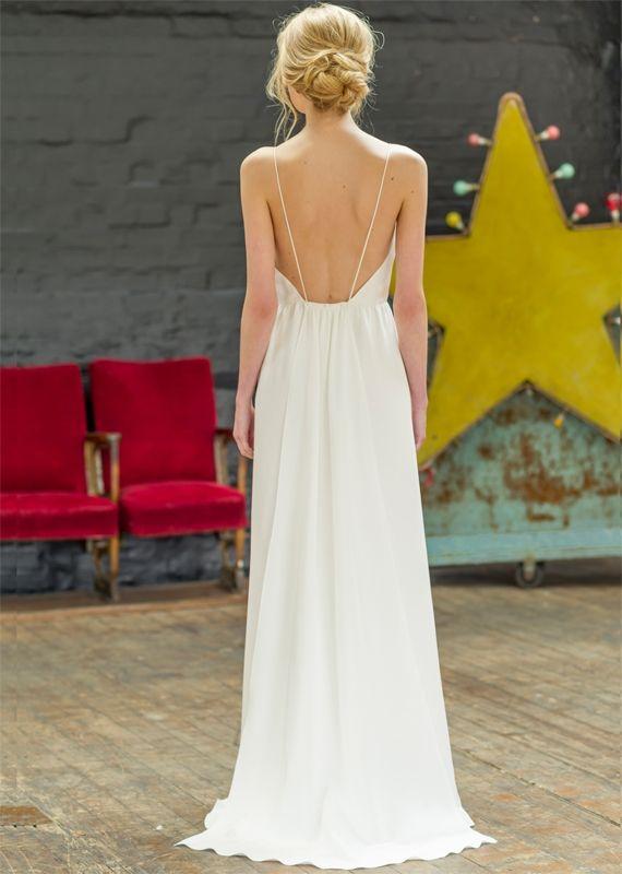 Robe de mariée dos nu et fines bretelles - Robe: Atelier Anonyme, modèle Olympe collection 2015 - La Fiancée du Panda blog Mariage et Lifestyle