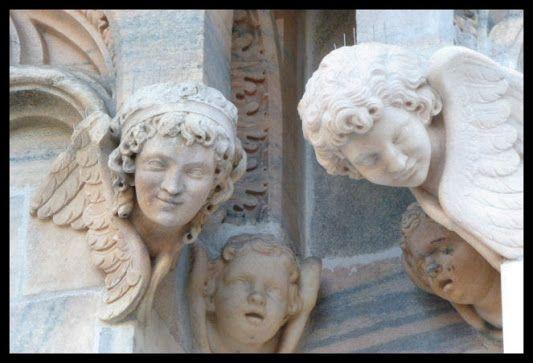 DUOMO DI MILANO - ANGELI IN MARMO DI CANDOGLIA