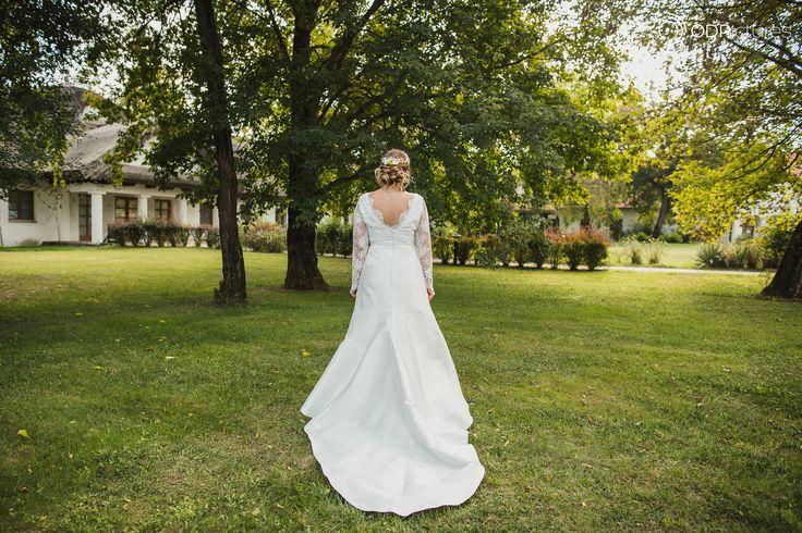 wedding dress wedding hair