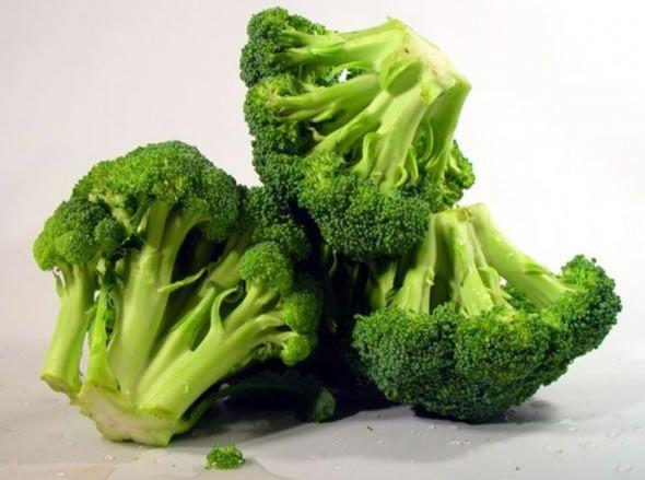 Os 12 Benefícios do Brócolis Para Saúde | Dicas de Saúde