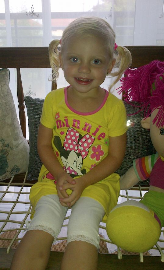 2-year old Mieke's first day of school!